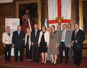 Vorstand des FSK Koblenz-Petah Tikva e.V. zusammen mit dem OB der Stadt Koblenz, professor Dr. Hofmann-Göttig (mitte), 29. Juni 2014